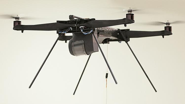 Dron na uwięzi - CyPhy Works Inc.