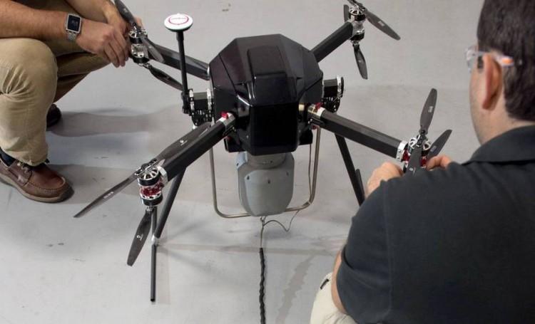 Dron na uwięzi - Drone Aviation Holding Corp.