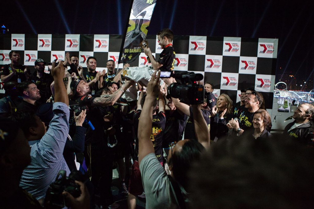 Luke Bannister (BanniUK) - zwycięzca World Drone Prix 2016 w Dubaju