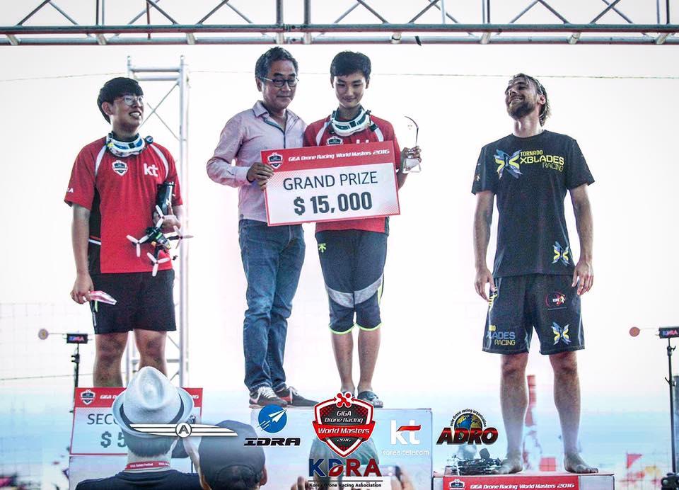 Mac Poschwald - 3-cie miejsce na wyścigach w Korei, 2016