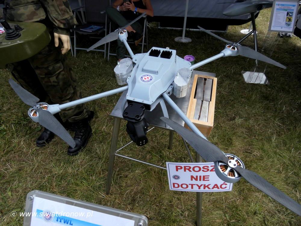 Dron ATRAX M na Air Show Radom 2017 - ITWL