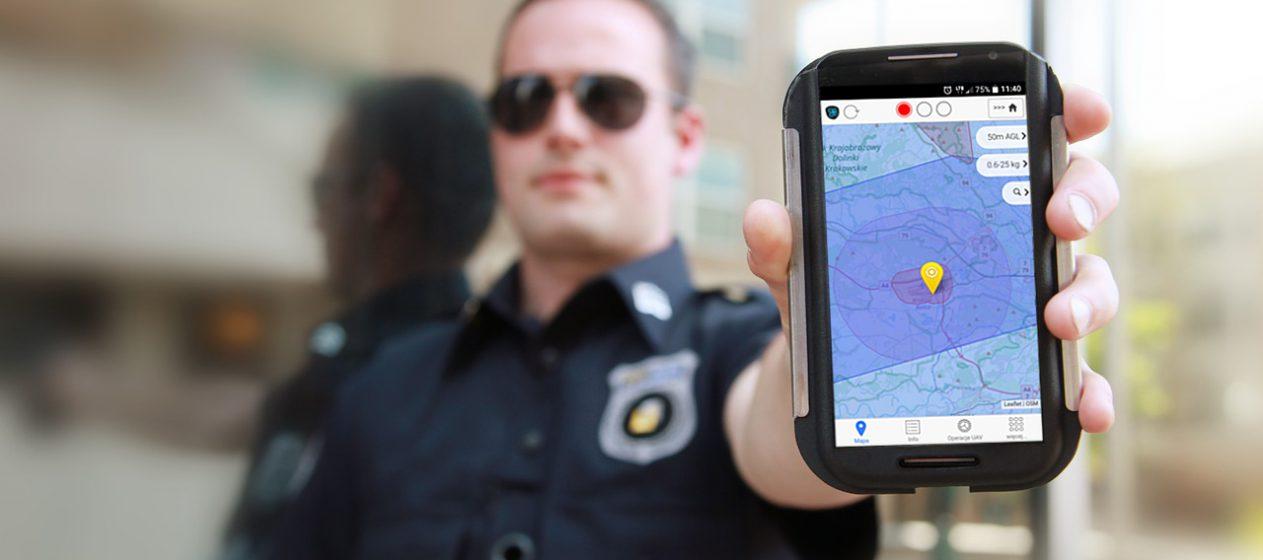 Kontrola policji podczas wykonywania lotów dronem