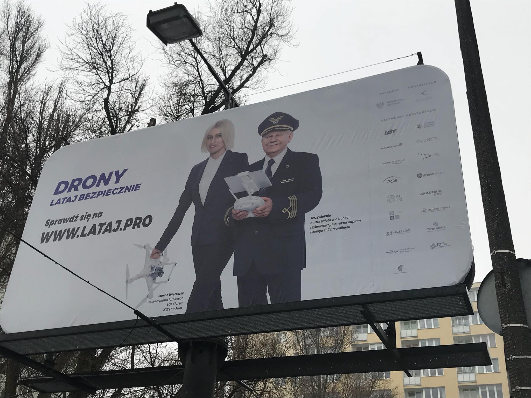 """""""Drony - lataj bezpiecznie"""" - billboard"""