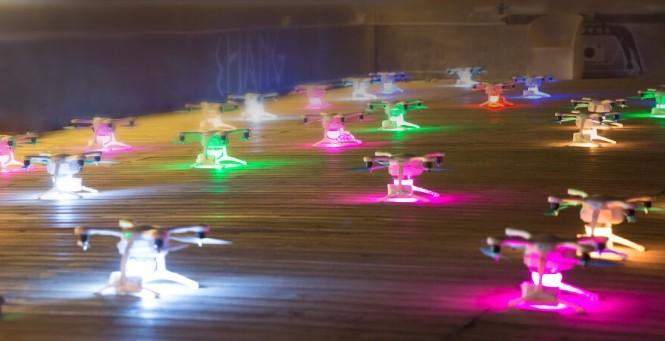 Drony EHANG GHOSTDRONE 2.0 gotowe do lotu w formacji