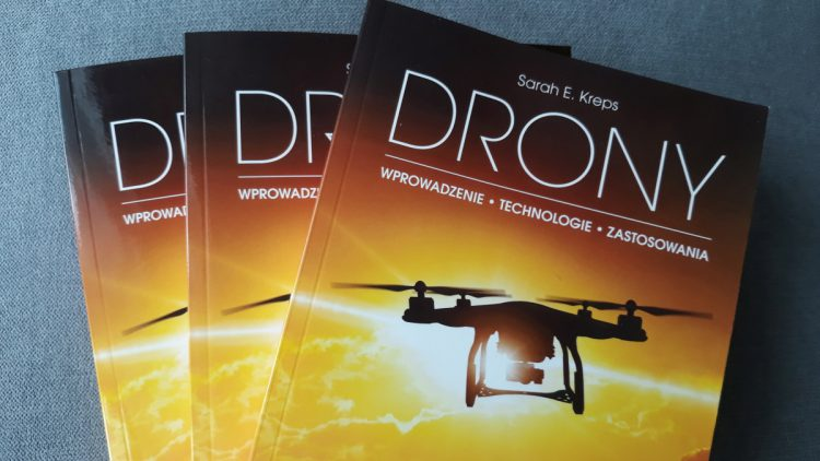 """""""Drony"""" - Wydawnictwo PWN - 2019"""