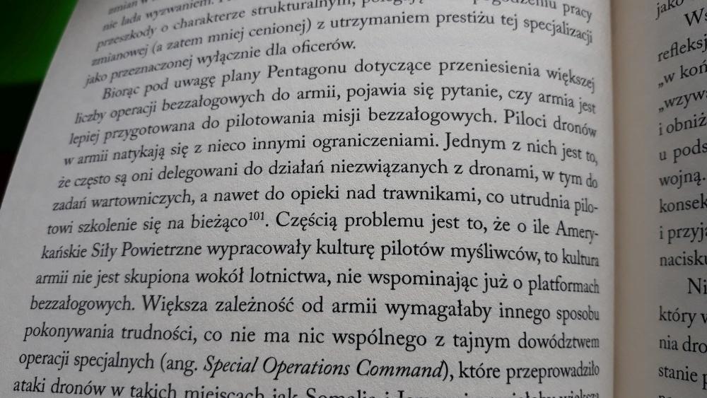 """""""Drony"""" - Wydawnictwo PWN - 2019 - cytat"""