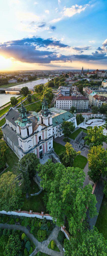 Panorama pionowa z 3 zdjęć - DJI Mavic Air 2 - SwiatDronow.pl